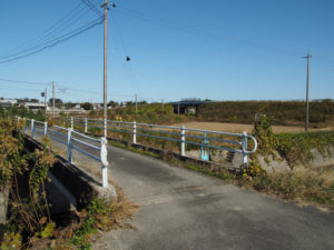 国道1号の分岐〜JR関西本線 山野原踏切付近