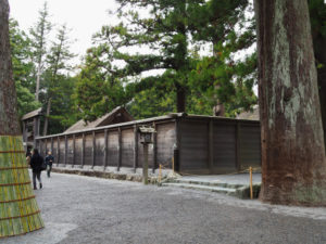 臨時出口の設置はこれからの板垣(外宮)