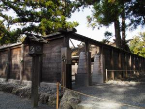 正宮の板垣に設置された仮設出口