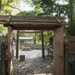 特別に外側の御門が開かれている御食神社(豊受大神宮 摂社)