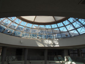 いせトピア ふれあい広場の天井・屋根部分