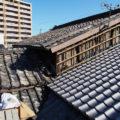 残る壁面工事と葺き替えられた屋根瓦、旧御師 丸岡宗大夫邸(伊勢市宮町)