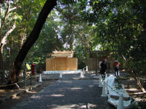 簀屋根が取り外され新しい殿舎が姿を現した高河原神社(豊受大神宮 摂社)