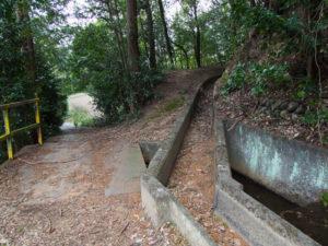 岩谷池から下流側の立梅用水(多気町丹生)