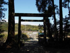 栄野神社の社窓から(伊勢市二見町江)