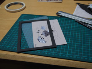 シャンティーさんのポストカードを壁掛け展示するためのひと工夫