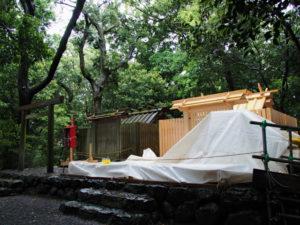 新しい社殿が姿を現した志宝屋神社(豊受大神宮 末社)