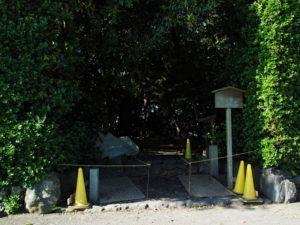 鳥居の立て替え工事、志宝屋神社(豊受大神宮 末社)
