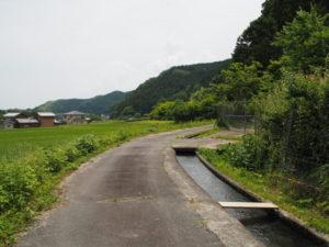 津田[土地改良区の]用水(多気町鍬形)