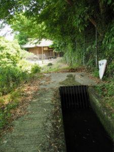 津田[土地改良区の]用水、その先は?(多気町鍬形)