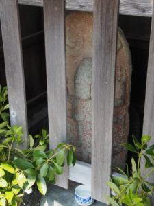 下長屋公民館付近の青面金剛像(伊勢市御薗町長屋)