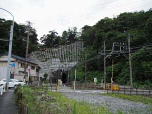 例年ならここに赤崎神社の幟旗が・・・