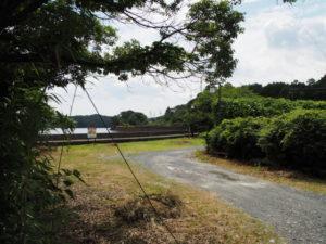 2020年3月に閉鎖された池の浦シーサイド駅(JR参宮線)へ