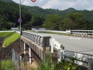 国道368号の中切橋(朝柄川)