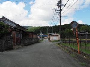 和歌山別街道から朝柄不動尊への分岐(多気町朝柄)