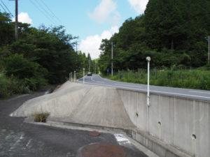 国道368号へ戻る和歌山別街道(多気町朝柄)