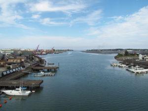 一色大橋(勢田川)から望む神社港