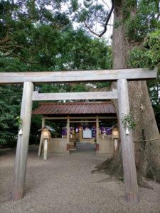 大祭の朝、箕曲神社(伊勢市小木町)
