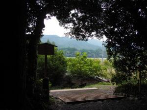 社窓からの珍しい風景、久具都比賣神社(皇大神宮 摂社)