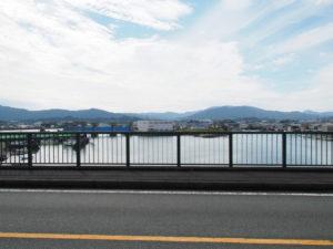 一色大橋から望む勢田川の上流方向