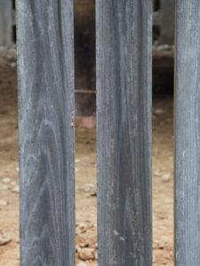 柱の修繕を終えた八尋殿、神服織機殿神社(皇大神宮 所管社)