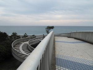 国道42号 阿田和駅交差点の歩道橋