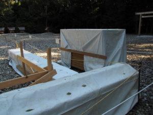 八尋殿に簀屋根を掛けるための準備、神服織機殿神社(皇大神宮 所管社)
