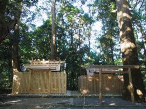 簀屋根が取り外された久具都比賣神社(皇大神宮 摂社)