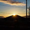 冬至の朝、自宅ベランダから拝した似非富士からの日の出