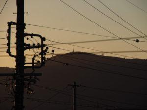 自宅ベランダから望む朝熊山山頂