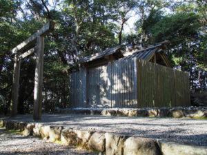 神前神社(皇大神宮 摂社)、許母利神社・荒前神社(同末社)を同座