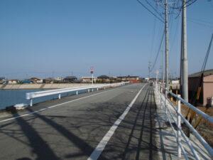 湊橋(大湊川)付近