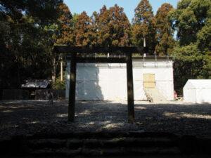 八尋殿の修繕工事が進められる神服織機殿神社(皇大神宮 所管社)
