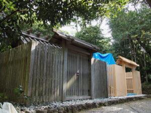 玉垣が完成し白石が戻された神前神社(皇大神宮 摂社)