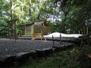 仮殿の設営が準備される堅田神社(皇大神宮 摂社)