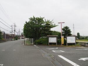 御薗橋と伊勢市御薗B&G海洋センター(伊勢市御薗町上條)