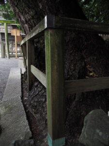 変形した木柵、御食神社(豊受大神宮 摂社)