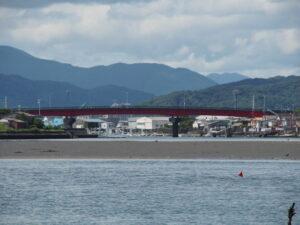 河口側から望む一色大橋(勢田川)