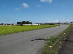 第二湊橋へ続く道路(伊勢市大湊町)